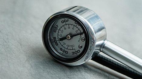 манометр насоса высокого давления